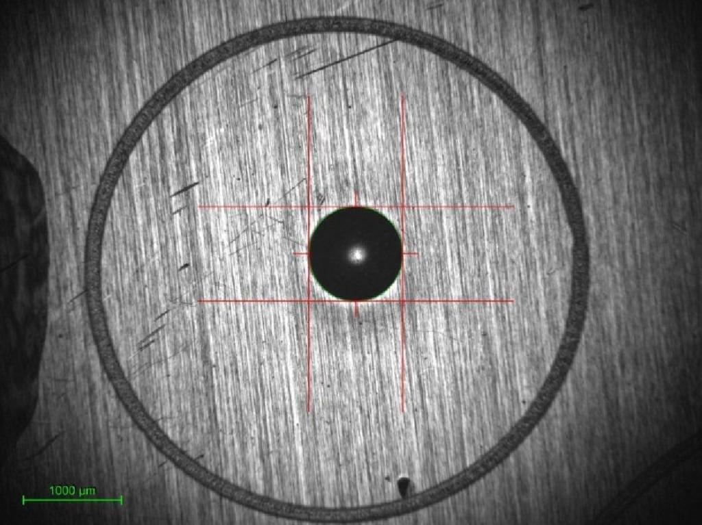 1:1 kijelző - 4x objektív - 2,8µm felbontás