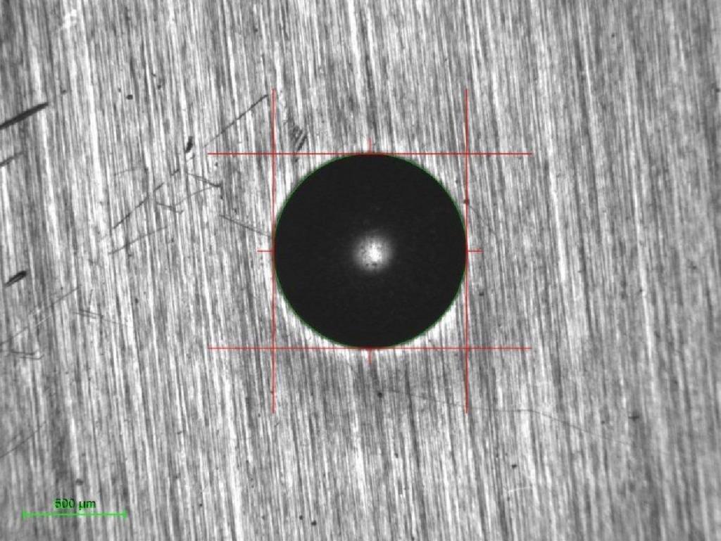 2:1 kijelző - 4x objektív - 1,4µm felbontás