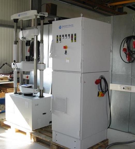 Hidraulikus és mechanikus szakítógépek modernizálása